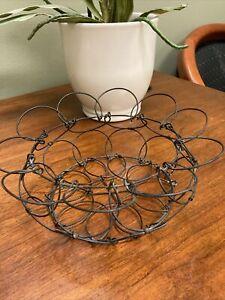 "Vintage Black Wire Collapsible Round Floral Egg Basket-8.5"""
