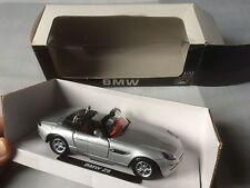 Miniature 1/32 - BMW Z8 cabriolet - EN PARFAIT ÉTAT avec boîte