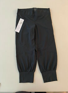 Casall Workout Capri Size M Charcoal Lightweight Breathable