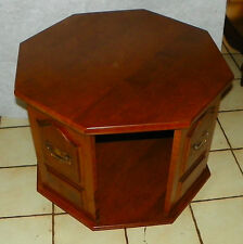 Heywood Wakefield Maple Revolving End Table / Side Table (T516)  (Ships GPX)