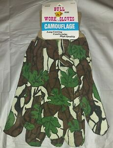 Bull brand Vintage Camo work gloves. NOS. FITS SMALL-LARGE.   B16