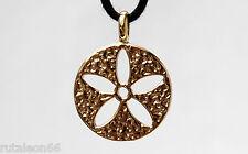 TOUS colgante redondo flor calada en oro 18Kt. (Yellow gold 750 pendant)