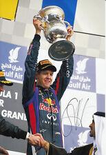 Sebastian VETTEL F1 WORLD CHAMPION mano firmato 2013 RED BULL FOTO 12X8 PODIO 2