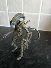 """Hot Toys Snap Kits Aliens Xenomorph 3.75"""" Figure Complete Green Clean Variant"""