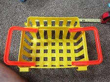 Fisher Price Fun with Food Deluxe Grocery Shopping Basket 80's Yellow Part Piece