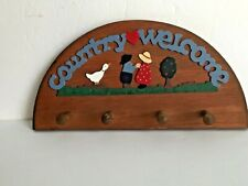 """Country Themed Wooden Wall Mounted """"COUNTRY WELCOME"""" 4 Pegs Coat Key Hat Rack"""