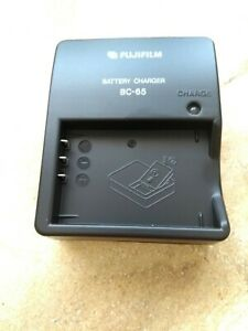 FujiFilm BC-65 UK Battery Charger For NP-120 Batteries F10 F11 M603 Camera's