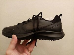 brand new womens nike TODOS ,size 10US