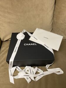 Authentic CHANEL Magnetic Gift Box 13x10.5x5 /Tissue/flower/ribbon/dusting Cloth