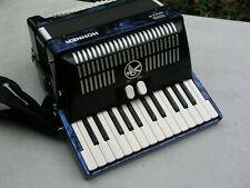 schönes blaues Akkordeon Hohner Bravo 2 48 Bässe - sehr gut erhalten