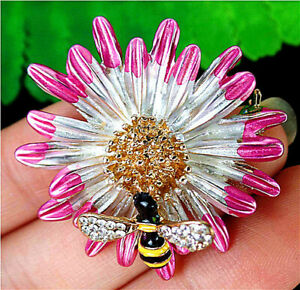 34x7mm Pink Bee Brooch With Diamond Inlay In Alloy Flower Pendant AP20439