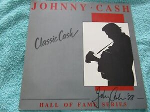 JOHNNY CASH- CLASSIC CASH- HALL OF FAME SERIES 1988  -VG+ COND   834 526-1
