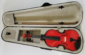 4/4 Violin with Case and Bow