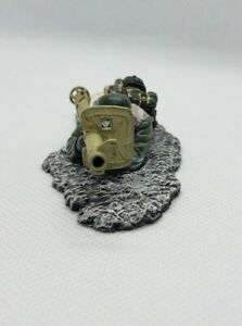 German Thomas gunn Miniatures Anti-Tank Bazooka panzerfaust laying about to Fire