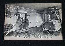 CPA Versailles Le château Le Petit trianon Chambre de Marie-Antoinette