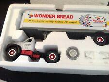 First Gear 1960 Model B-61 Mack Tractor Trailer - Wonder Bread