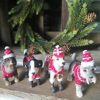 4 x Hund Weihnachtsdeko Hundefiguren Figur Hunde Schnauzer Dackel Pullover Schal