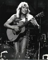 YES PHOTO 1983 STEVE HOWE UNIQUE IMAGE UNRELEASED 12 INCH GEM EXCLUSIVE SHOT