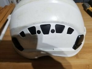 Petzl Vertex Vent Helmet White  used good condition  scratches around helmet