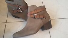NWOB Ladies COACH booties Pauline ankle boots Shoes Size 8 , suede tan zipper