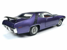 1971 PLYMOUTH ROAD RUNNER 440+6 IN VIOLET MCACN 1:18 DIECAST AUTOWORLD AMM1182