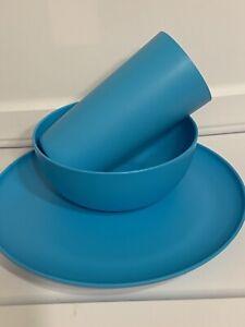 12 Items Aqua Mainstay 4 Plates, 4 Bowls, 4 Cups Microwave Safe BPA free New