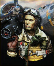 Young Miniatures B-17 Crewman with K20 Camera Unpainted Resin KitYM1872 NIB