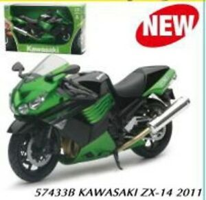 NEWRAY 42443A or 57433B KAWASAKI ZX 10R diecast model bikes green & black 1:12th