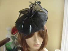STUNNING AMIESE BLACK FASCINATOR / HATINATOR  WITH FEATHERS