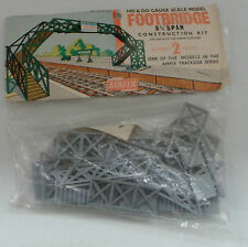 TRAINS : FOOTBRIDGE H0 & 00 GAUGE SCALE MODEL KIT MADE BY AIRFIX