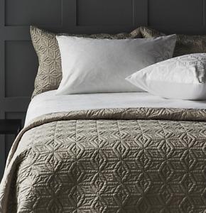White K by Kelly Hoppen 6 Piece Geometric Diamond Double Size Bedding Set - new