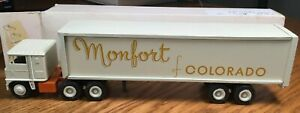 Winross White 7000 Monfort of Colorado TractorTrailer 1/64