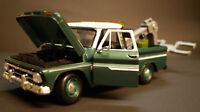 1966 Chevrolet C 10 Fleetside Pickup Wrecker Abschleppdienst 1:24 Motor Max