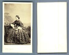 Levitsky, Paris, Une femme CDV vintage albumen carte de visite,  Tirage albumi