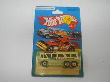 Hot Wheels Greyhound MC-8 No. 1127 (1)