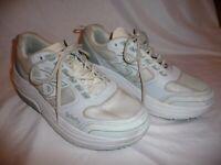 Men US size 11 M Gravity Defyer gdefy Mighty Walk Athletic Sneakers TB9022MWS-M