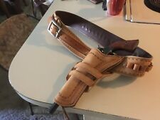 WESTERN GUN BELT AND HOLSTER HAND TOOLED COWBOY ACTION