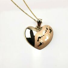 14k yellow gold Footprints heart pendant and necklace NWOT 2.2g