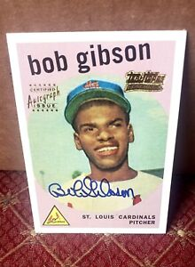 BOB GIBSON ROOKIE CARD  STUNNER TOPPS CERTIFIED AUTOGRAPH ISSUE  SIG GOAT