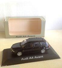 Minichamps promotionnel ref AU614001 Audi A4 Avant noir avec boite Audi 1/43ème