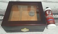 Vintage Quality importers cigar humidor w/ Ciguardian Bottle