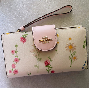 NWT Coach Tech Phone Wallet With Spaced Wildflower