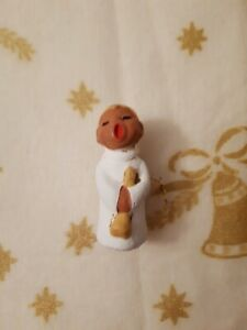 Engel Weihnachtsengel Keramik Rot-Ceramic mit Bändchen zum  Aufhängen  4cm Höhe