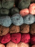 Lion Brand Jiffy Yarn 3 oz 135 yds Skein Acrylic 5 Bulky Knit Crochet Projects