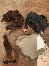 JOB LOT 4 Items for a Vivarium incl a hide, 2 logs and a water bowl.