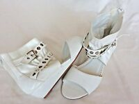 Forever Funky White Wedge Ankle Bootie Sandals Studded Zippers Womens 6.5 HOT