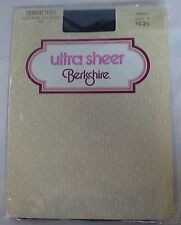 Pantyhose Nylons Ultra Sheer Berkshire Sandal Foot Cotton Crotch Navy Size 4