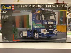 Revell-07536 Mercedes Sauber Petronas Show Truck 1:24