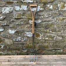 "Kent & Stowe Garden Border Digging Fork - Stainless Steel - 28"" WYD Handle"