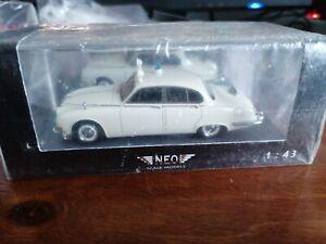 Neo 1/43 Jaguar S-Type Police 1965 43948